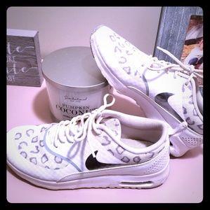 Nike women's leopard sneakers size 8